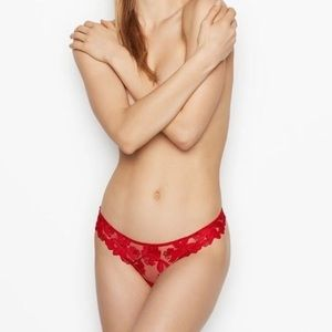 NWT VS Very Sexy lipstick red embroidered thong S